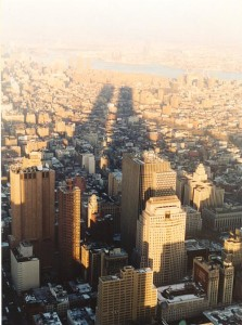 Shadow of the Twin Towers over NYC (By Cait Hurley from London, UK - Flickr, CC BY 2.0, https://commons.wikimedia.org/w/index.php?curid=1102684)